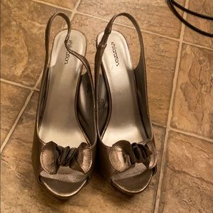 Xhilaration used but good condition heels